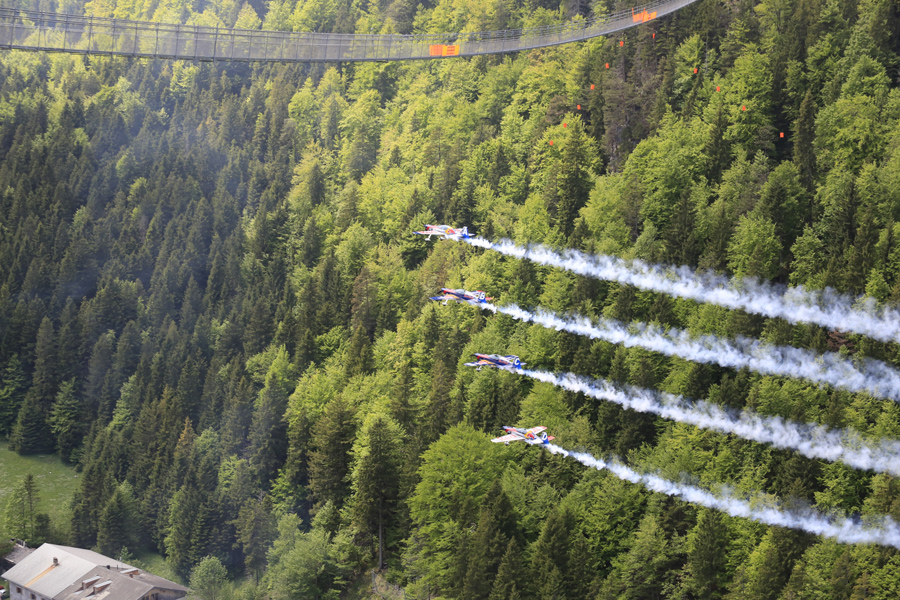 Czech_Aerobatics_highline179_900x600